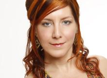 capelli rossi acconciatura parzialmente raccolta