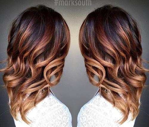 Color cioccolato su capelli corti