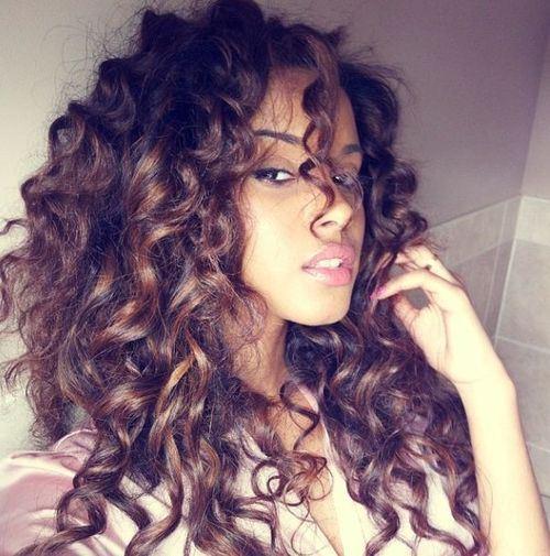 Acconciature per capelli lunghi e spessi trend capelli - Diversi tipi di permanente riccia ...