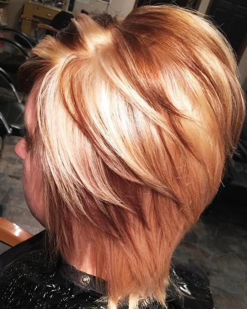 Foto capelli corti con colpi di sole