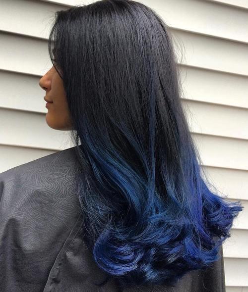 Colore capelli: colpi di luce blu - Trend Capelli