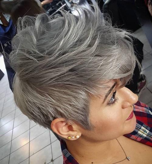 Colore capelli: la nuova tendenza dei capelli grigi ...