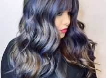 acconciature lunghe balayage viola